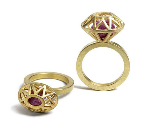Outline Gold Ring With Ruby