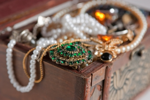 Antique Jewelry Trends